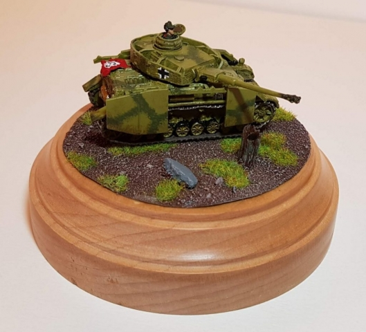Model of Panzer 4 (WW2) - Angled View - 1/100 Scale (15mm) - Built By Wright Built - Battlefront Models (Flames of War)