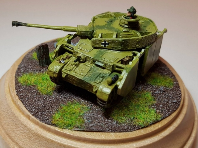 Model of Panzer 4 (WW2) - Front View - 1/100 Scale (15mm) - Built By Wright Built - Battlefront Models (Flames of War)