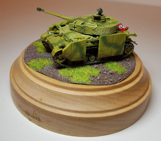 Model of Panzer 4 (WW2) - Angle View 3 - 1/100 Scale (15mm) - Built By Wright Built - Battlefront Models (Flames of War)
