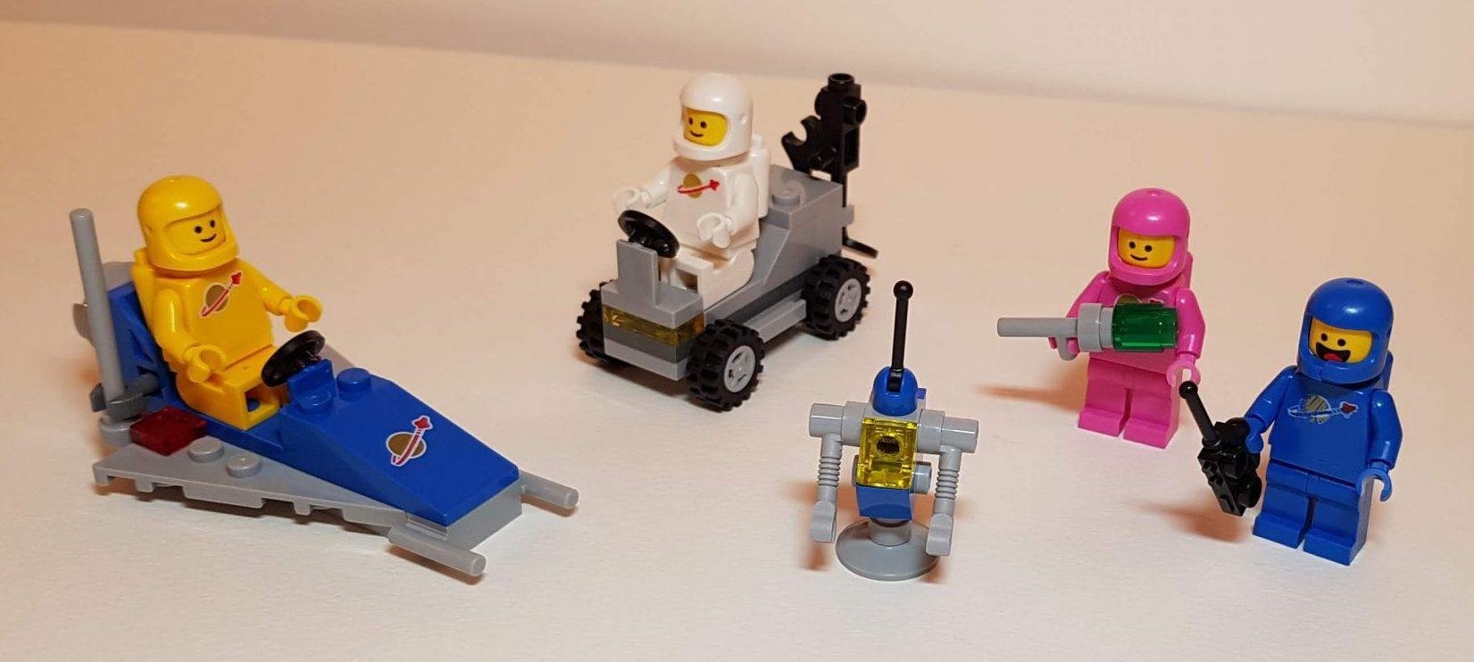 Benny's Space Squad (LEGO 70841) - View 1 - Built By Wright Built