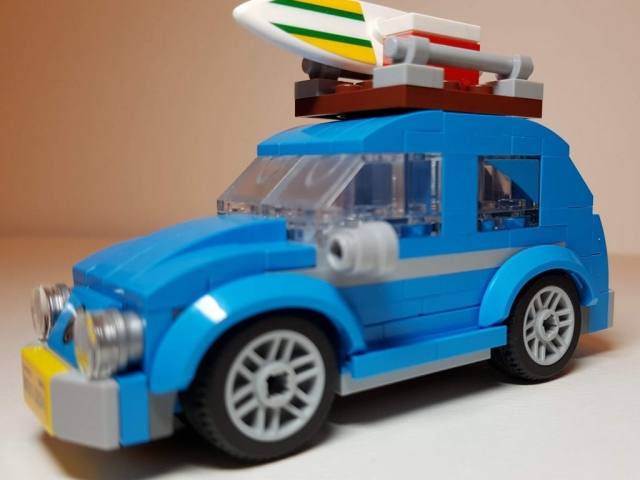 Mini VW Beetle (LEGO 40252) - View 2 - Built By Wright Built