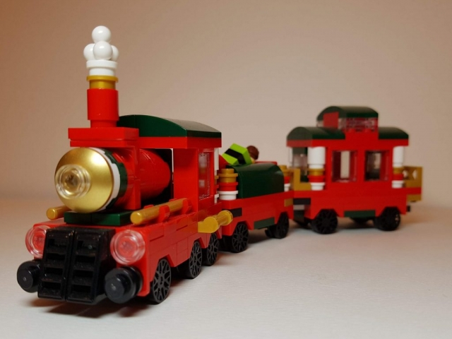 Mini Christmas Train (LEGO 40138) - Angle View - Built By Wright Built