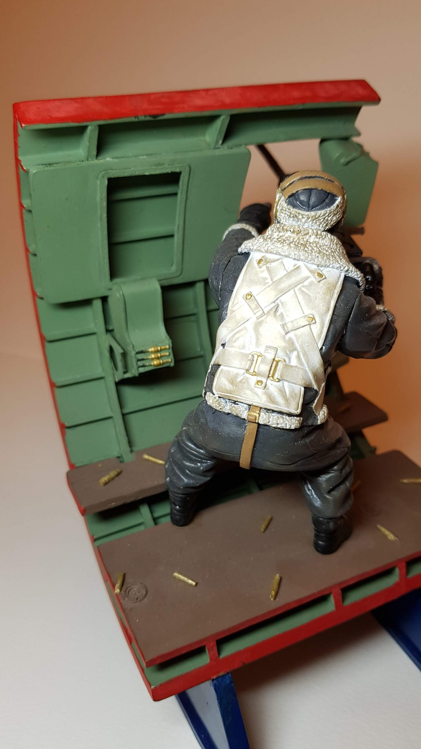 Model of Bandits! 2 O'Clock B17 Waist Gunner (WW2) - View 7 - 120mm Scale - Built By Wright Built - Verlinden Productions