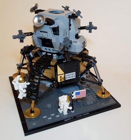 NASA Apollo 11 Lunar Lander (LEGO 10266) - Built By Wright Built