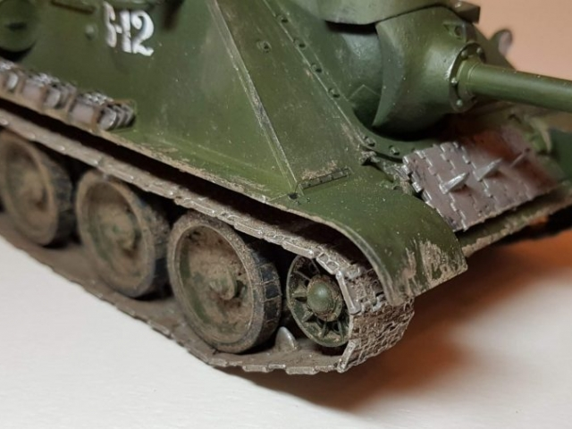 SU-85M - View 2 - 1/35 Scale - Built By Wright Built - Dragon Models