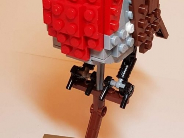 Robin from Birds (LEGO 21301) - Built By Wright Built